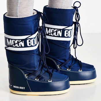 Navy blue classic Moon Boot
