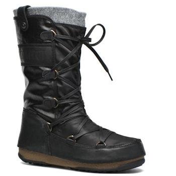 A felt lined black Moon Boot